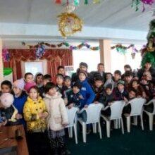 «МегаФон» поздравил с Новым годом детей из школ-интернатов