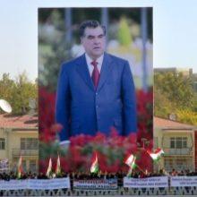 «От миротворчества к авторитаризму»: Как менялась внутренняя политика Таджикистана за 28 лет независимости