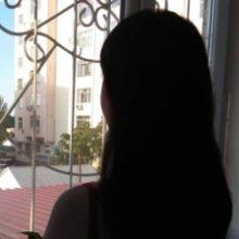«Поплатился за искренний поцелуй ученицы». Учитель лицея в Нуреке приговорен к 17,5 годам тюрьмы