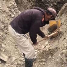 Таджикистан разрешил частным лицам добывать золото, серебро и драгоценные камни. ВИДЕО