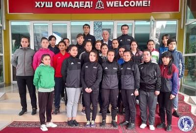 В Турсунзаде прошел семинар для женщин-арбитров