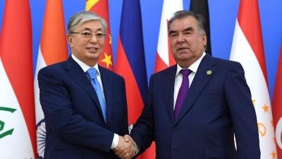 МИА «Казинформ»:  Эмомали Рахмон  поздравил Касым-Жомарта Токаева   по случаю Дня независимости Казахстана